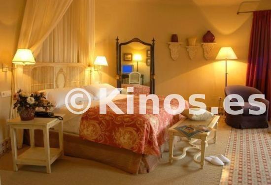 Large_hotel-castillo-de-santa__1_