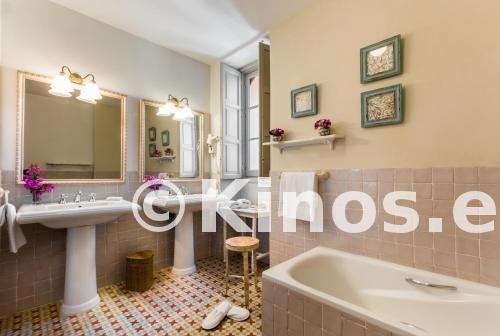 Large_hotel-castillo-de-santa-catalina-banio-873f2c5