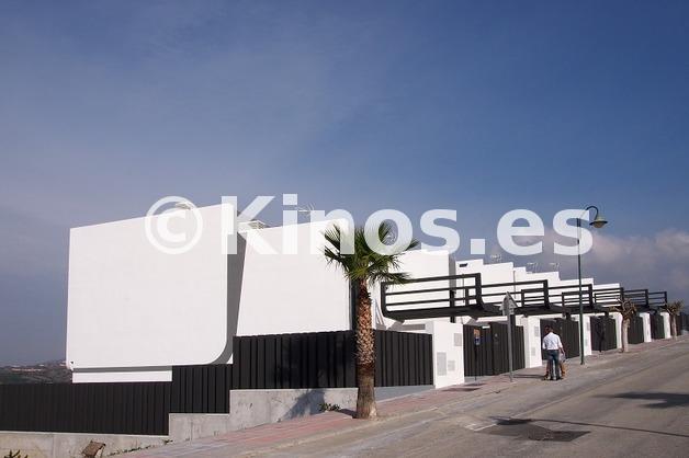 Large adosado torredelmar fachada4 kinosgroup