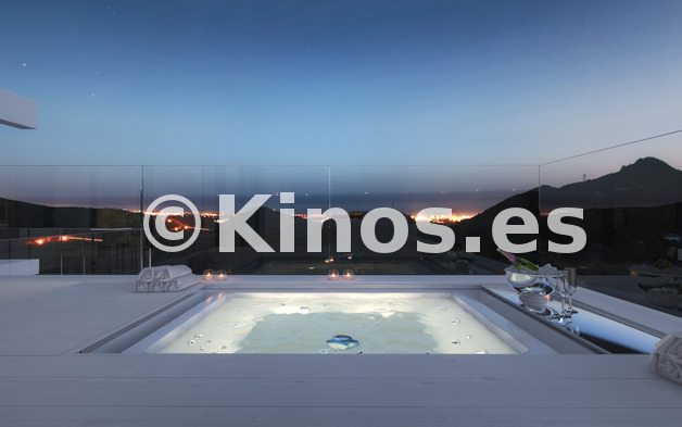 Large f st terraza jacuzzi n 2