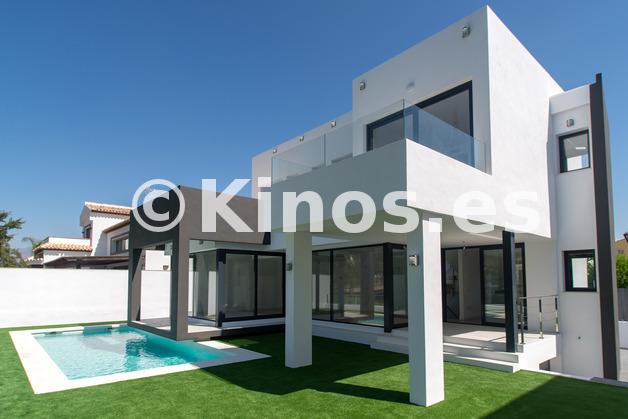 Large 101   fachada piscina