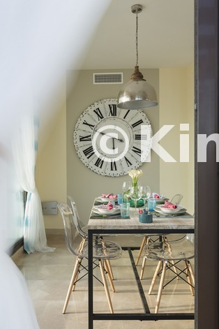 Large vivienda sanroque comedor kinosgroup