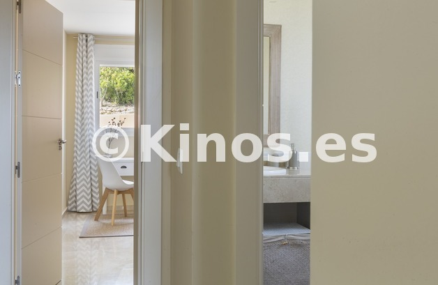 Large vivienda sanroque pasillo kinosgroup