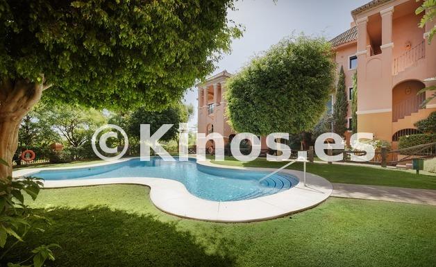 Large vivienda benahavis piscina1 kinosgroup