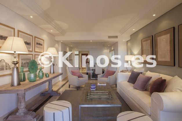 Large piso estepona salon1 kinosgroup