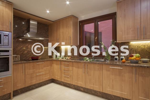 Large piso estepona cocina kinosgroup