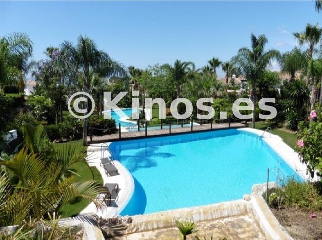 Large villa marbella piscina kinosgroup