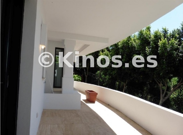 Large villa marbella terraza1 kinosgroup