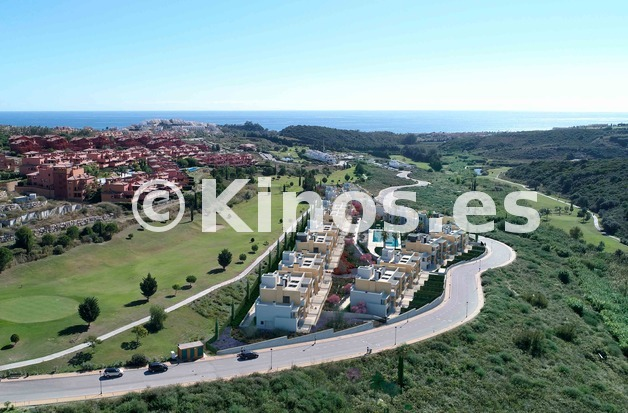 Large neinor homes casares homes integracion 03lowres