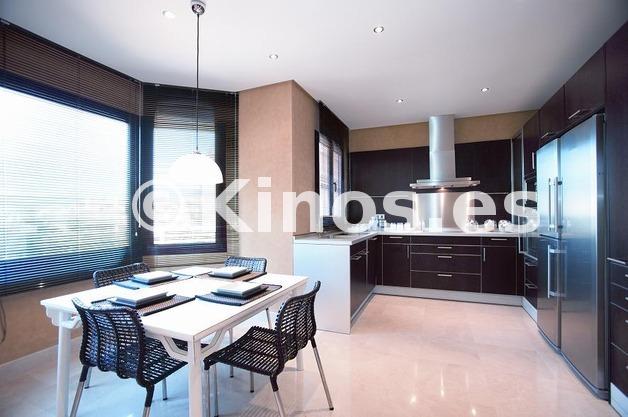 Large cocina piso piloto