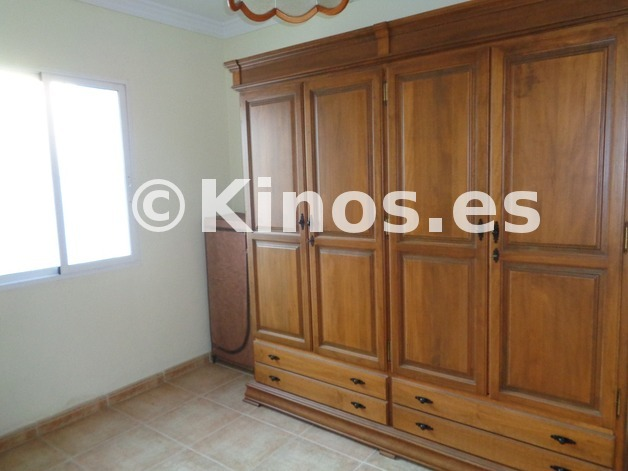 Large_chalet_malaga_armario_kinosgroup