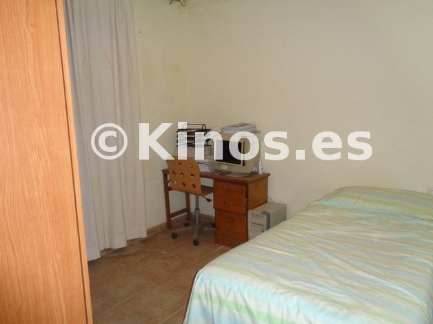 Large_chalet_malaga_dormitorio1_kinosgroup