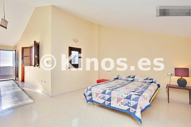 Large_duplex_estepona_dormitorio4_kinosgroup