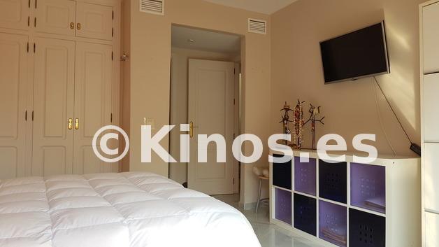 Large_dormitorio_principal_pie_de_cama_