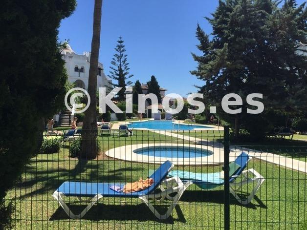 Large_piscina_medina_zoco