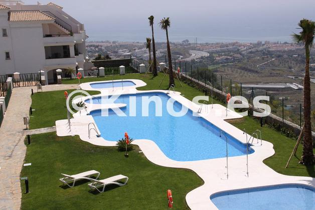 Large_3_piscina_de_agua_salada_con_vistas